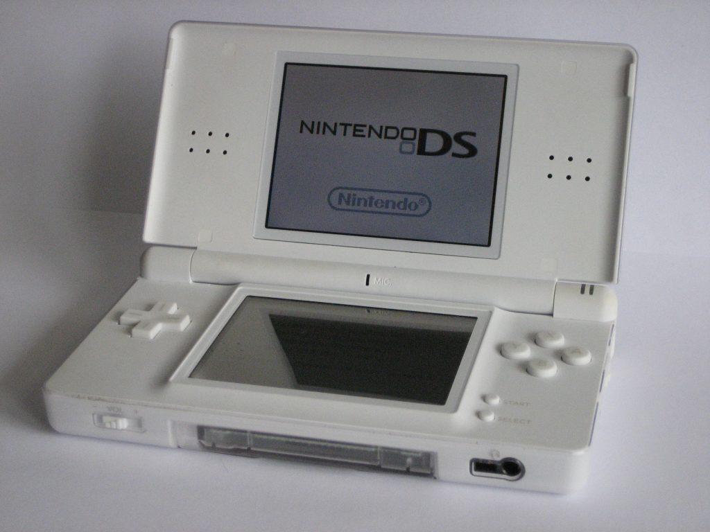 Nintendo DS console portatil